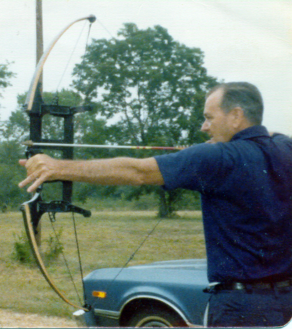 George Trotter and the Trottermatic Compound Bow - August 1978